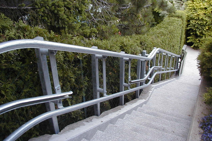耐候性塗料塗装レール