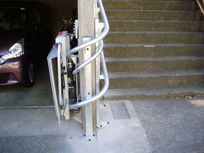 東京都I様邸 車いすタイプ階段昇降機