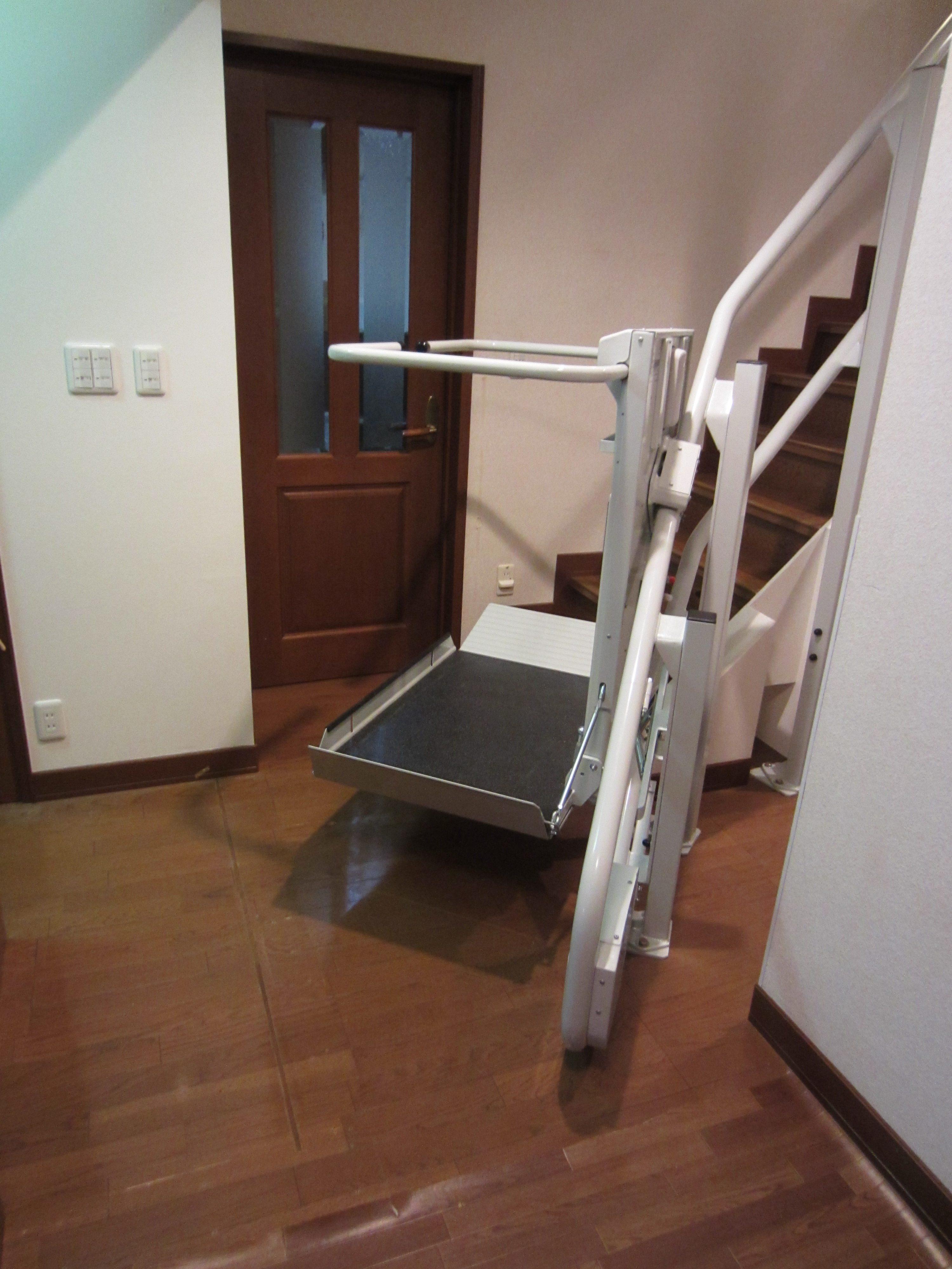 愛知県N様邸 車いすタイプ階段昇降機